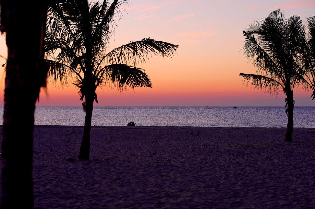 jenkinsons-beach-sunset