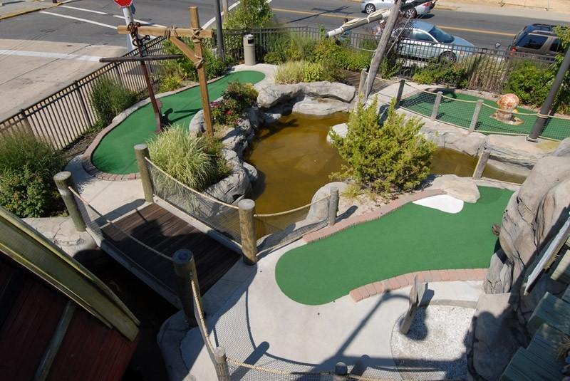 jenkinsons-mini-golf-castaway-cove-6